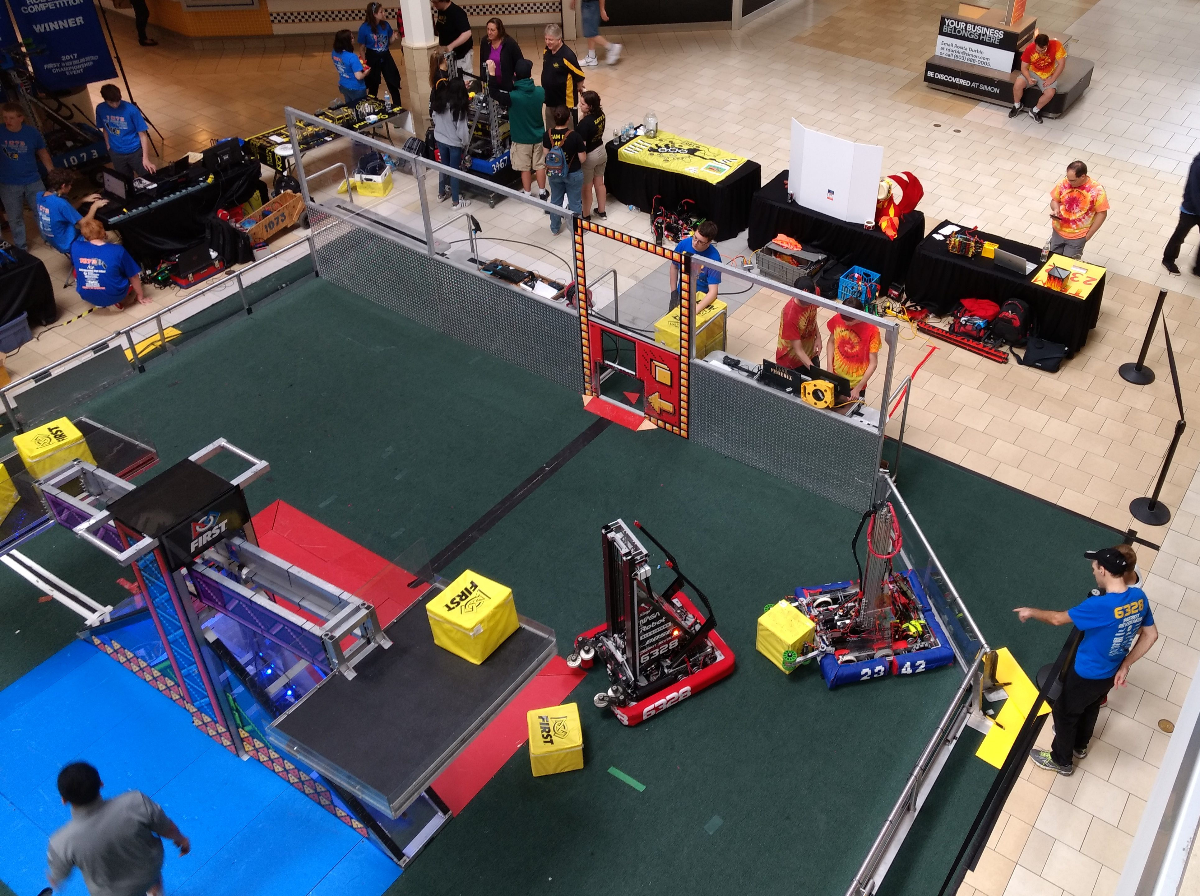 Robo-Expo at the Pheasant Lane Mall